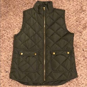Small Olive Green Puffer Vest